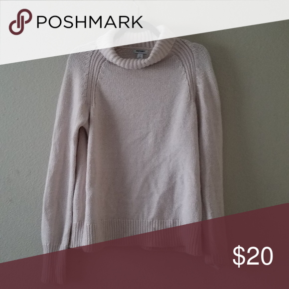 f0a62dbcf651d Turtle neck Warm and very cozy No flaw Perfect condition Very soft Can fit  up to a size L Old Navy Sweaters Cowl   Turtlenecks