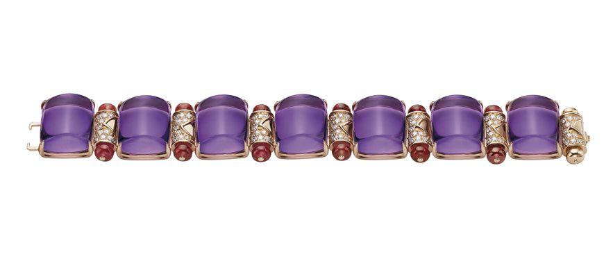 Bracelet Mvsa de Bulgari en améthystes http://www.vogue.fr/joaillerie/a-voir/diaporama/les-parures-haute-joaillerie-de-la-biennale-des-antiquaires-2014/20234#!bracelet-mvsa-de-bulgari-en-amethystes
