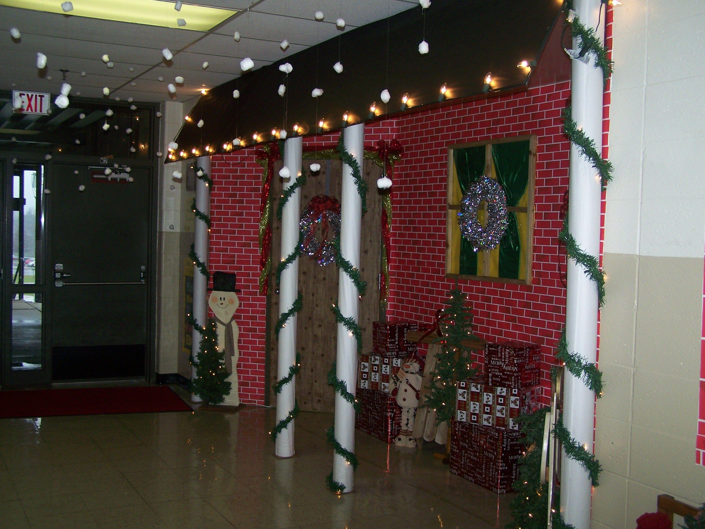 Classroom Door Christmas Decoration Mrs Lands S Room Brick House Christmas Classroom Christmas Door Decorations School Doors