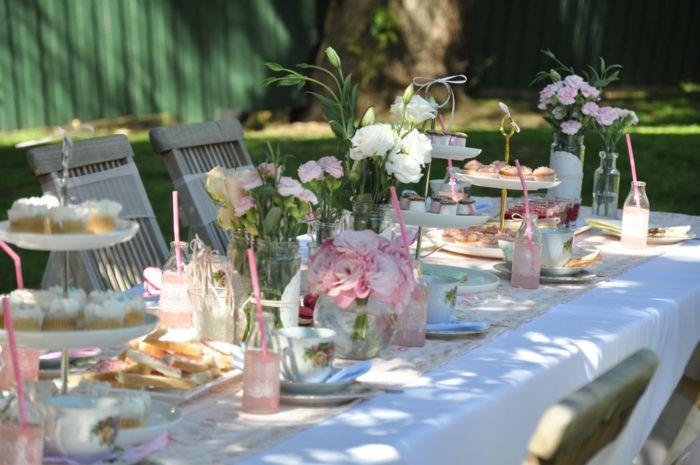 Gartenparty Deko gartenparty deko ideen tisch weiße blumen tischdekoration sommer