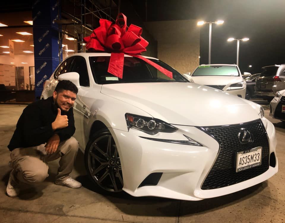 It's that time of year 🔥🎁 Lexus decembertoremember
