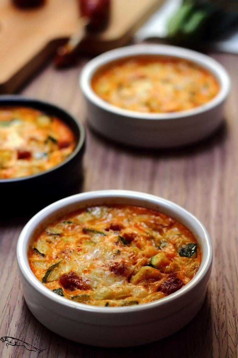 Clafoutis à la courgette, chorizo et parmesan - Amandine ...