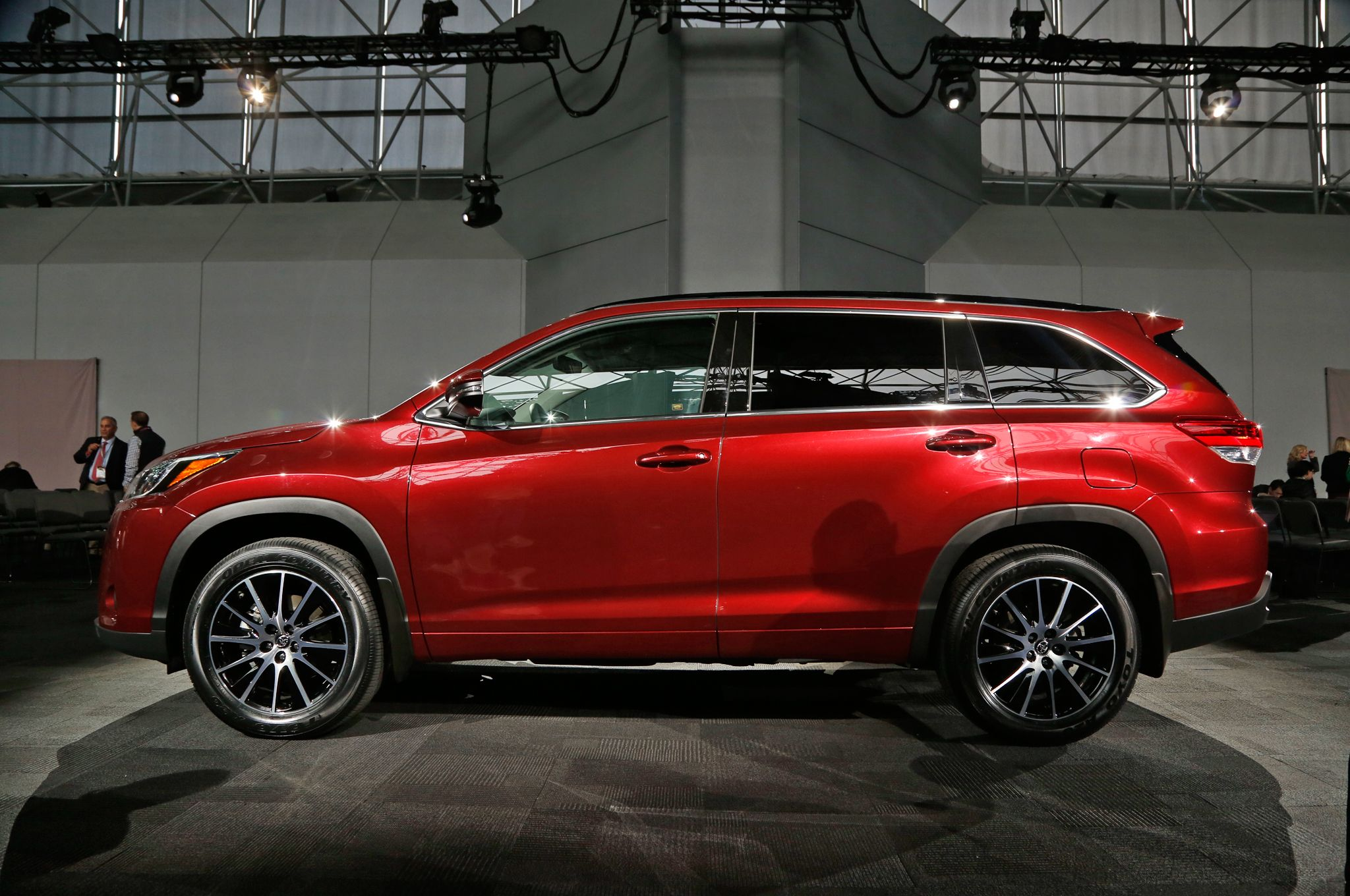 Affordable Suv 2017 Toyota Highlander Spec Price Awesome Indoor Outdoor