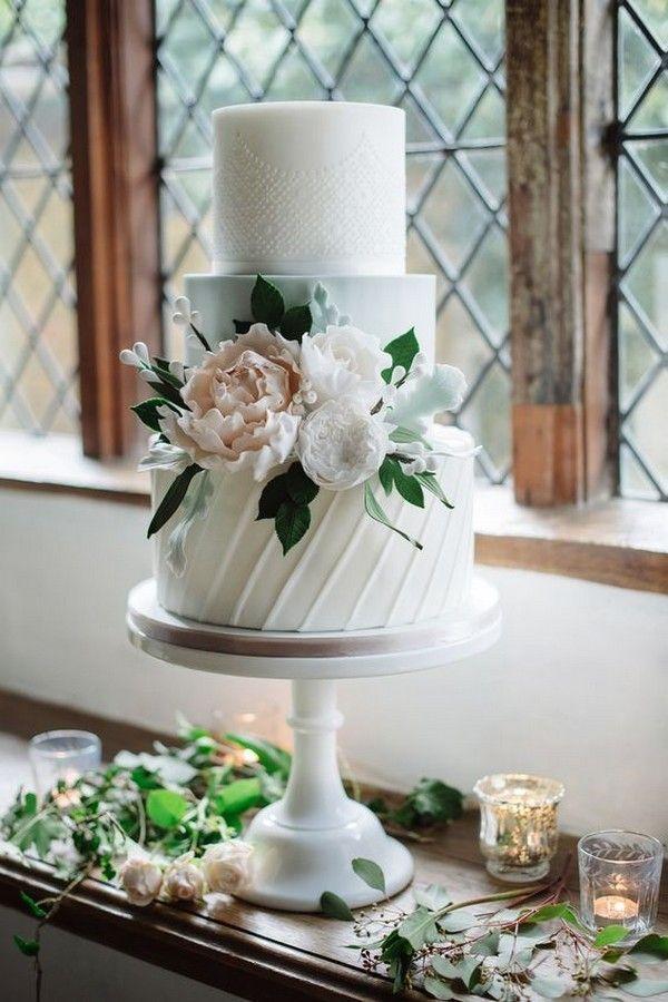 roze en witte elegante bruidstaart