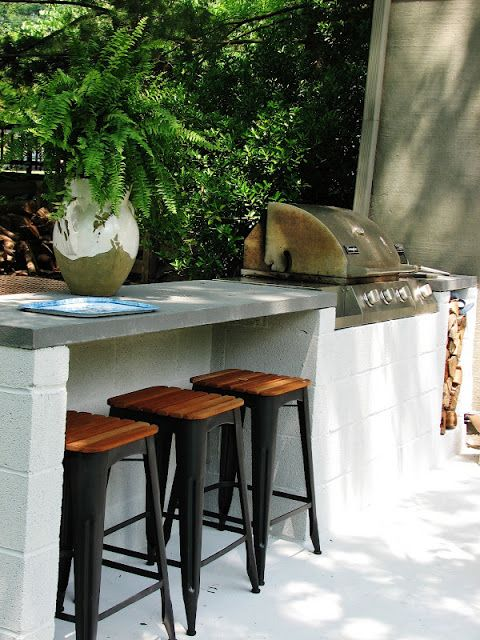 A cinder-block bar can stand the elements And with a grill like