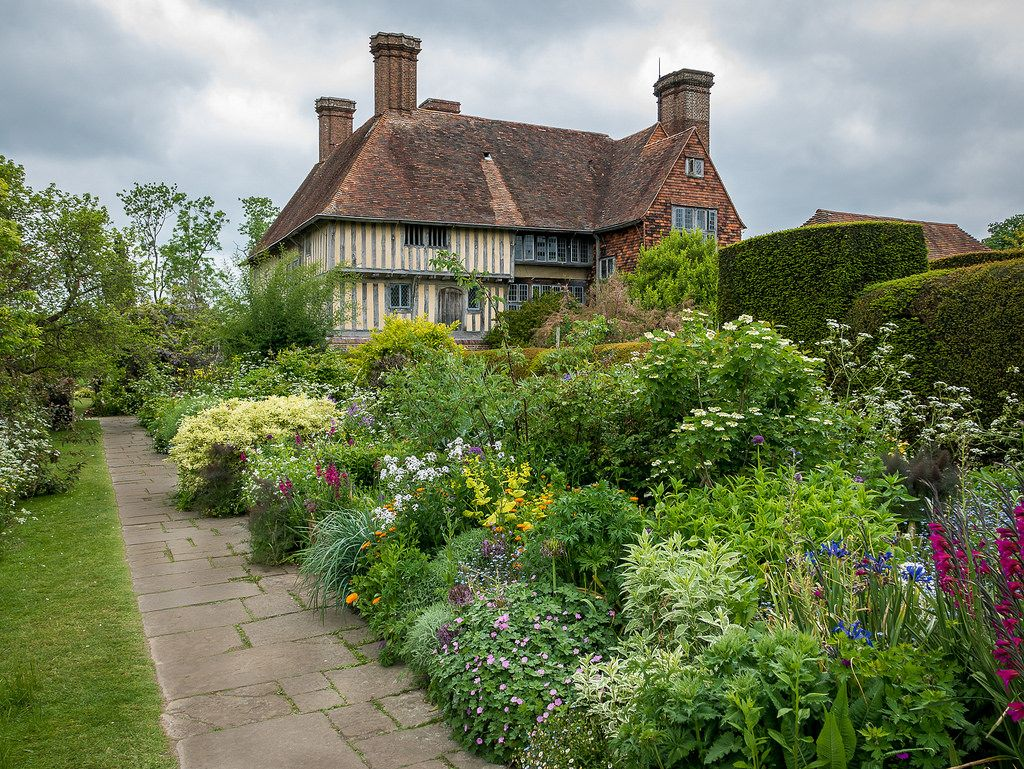 The house was built in 1910–12 by famous architect Edwin Lutyens, who combined…
