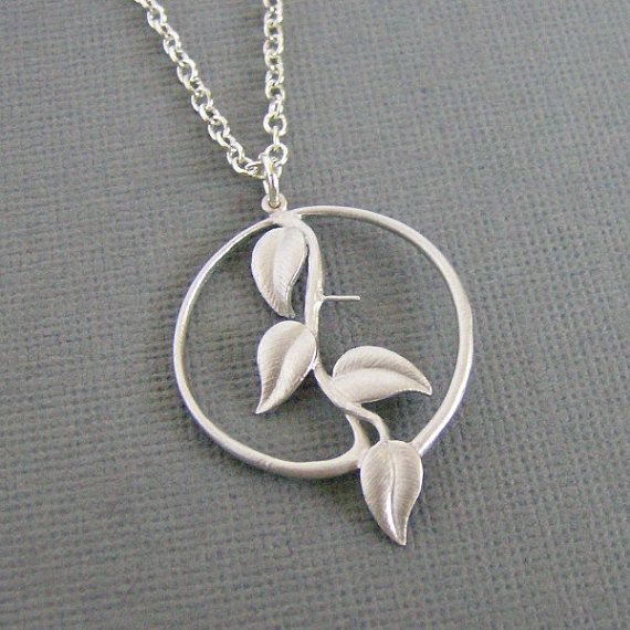 Silver Round Ivy Leaf Necklace Ivy in Circle by BojanglesJewelry, $20.50