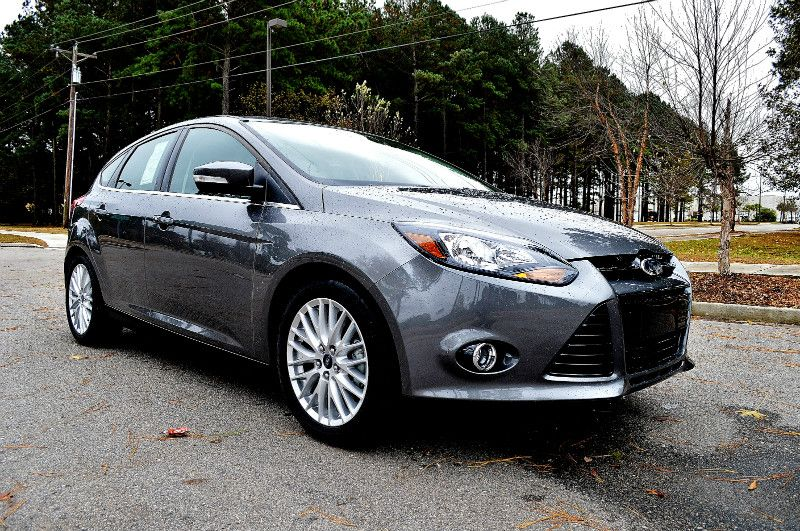 Through Its Confident Stance Dynamic Lines And Great Detailing The Curves And Lines Fascia Grille And Dragon E Automotive Group New And Used Cars Used Cars