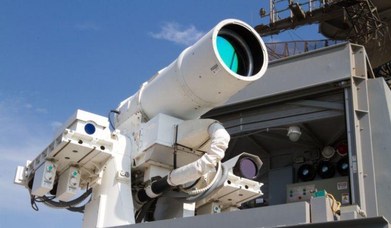 Resultado de imagen de cañon laser dispara velocidad de la luz