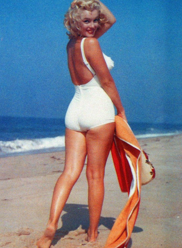 06ad7484af 40 Iconic Moments of Marilyn Monroe in Bikini and Swimsuit from between the  1940s and 1960s