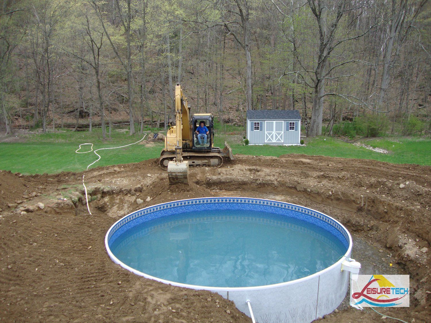 Above ground pools with decks houses pinterest for Inexpensive in ground pool ideas