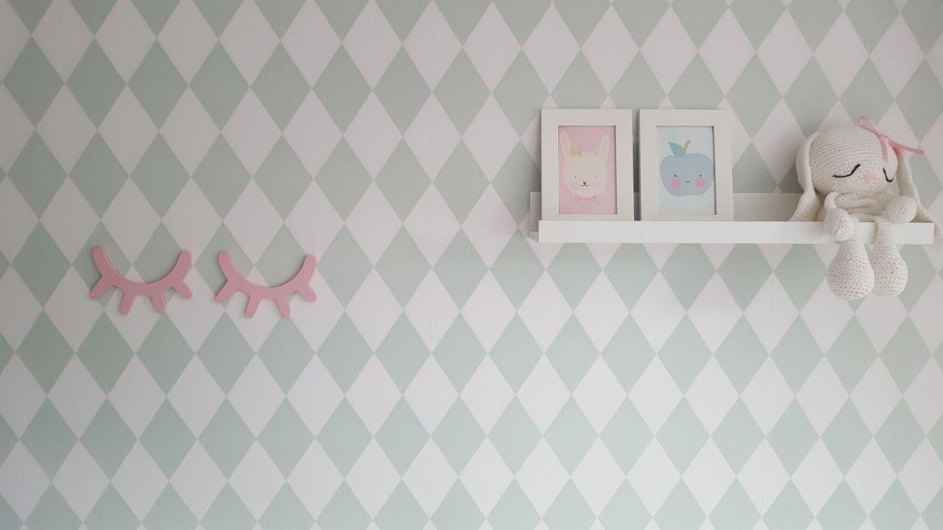 Behang Ferm Living : Babykamer meisje mint oud roze ferm living behang momo design