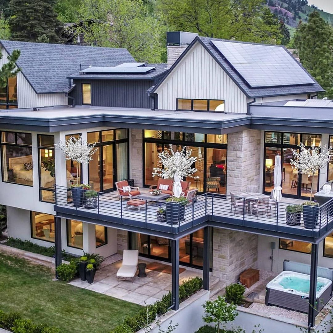 Luxury Real Estate On Instagram 7 500 000 This Stunning Home Is Situated On Large L Luxury Homes Dream Houses Dream House Exterior House Designs Exterior