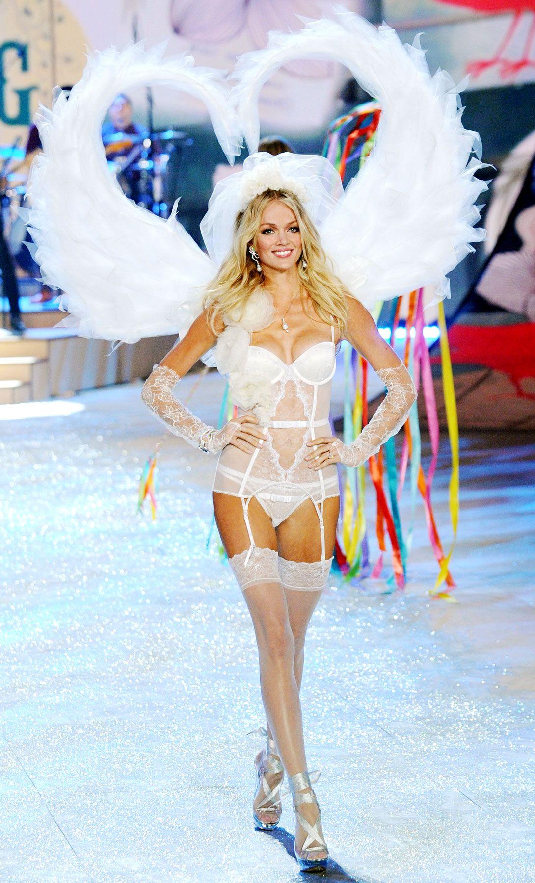 696dc5d071 An angel with heart wings. Victoria s Secret Fashion Show 2012  Lindsay  Ellingson