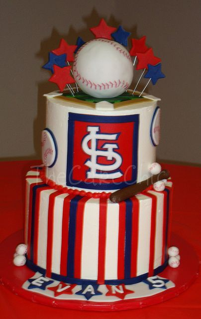 St Louis Cardinals Cake Love If Someone Could Make This For My Kids Party In 3 Weeks I Would Greatly Appreash