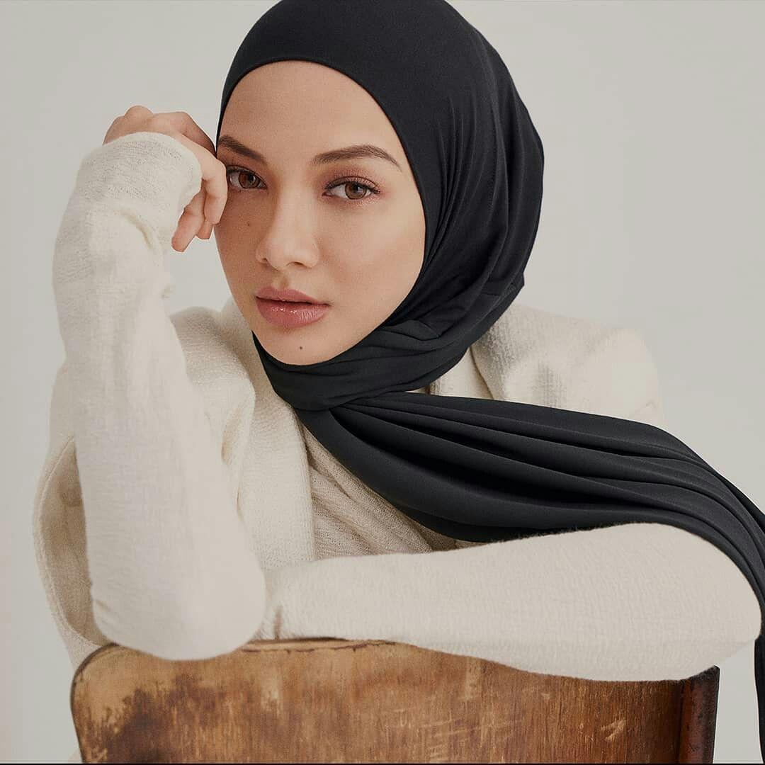 Neelofa Kerudung Perempuan Model Pakaian Wanita