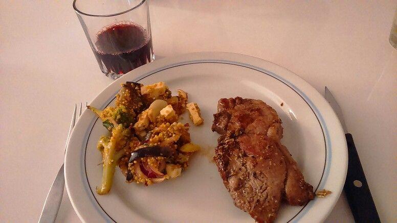 Lamb with broccoli, aubergine and Quinoa - 782 kcal