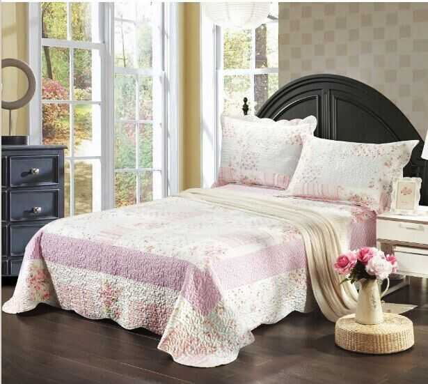 Tache 3 Piece White and Pink Wildflower Picnic Bedspread,California King