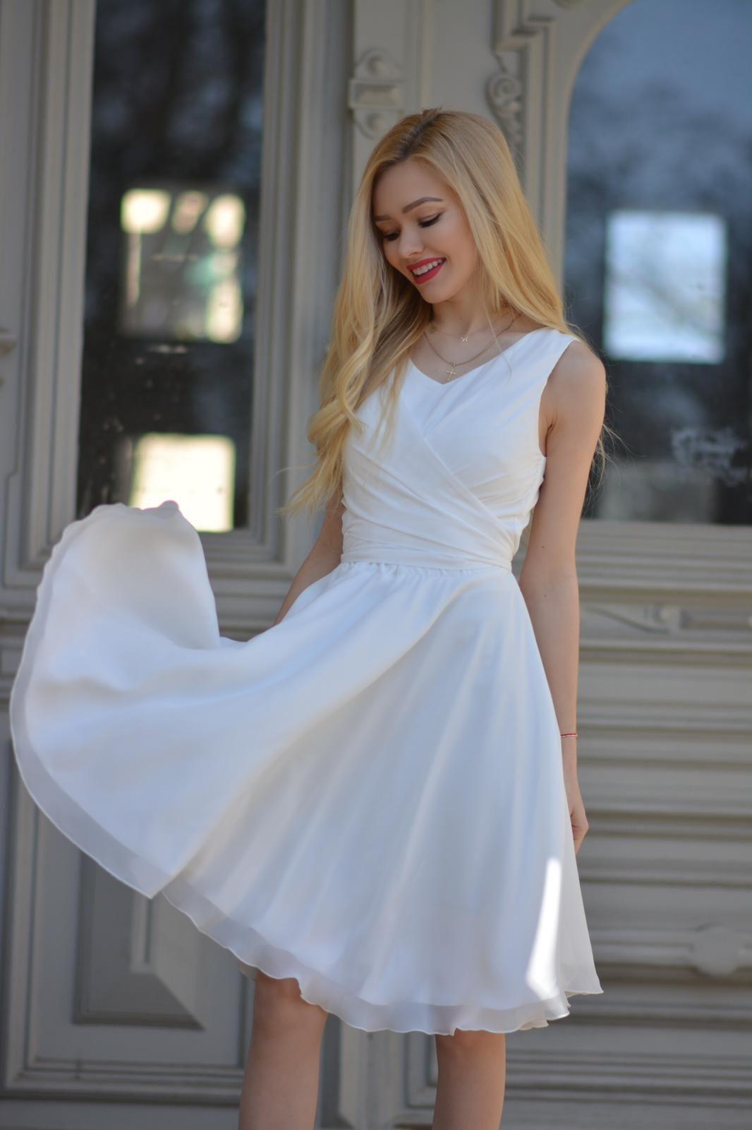 1fb9871c1e Urocza sukienka z szyfonu. Koktajlowa sukienka- góra na szerokich  ramiączkach
