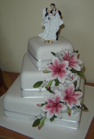 Wedding Cakes With Lilies Google Search Wedding Ideas - Wedding Cake With Lilies