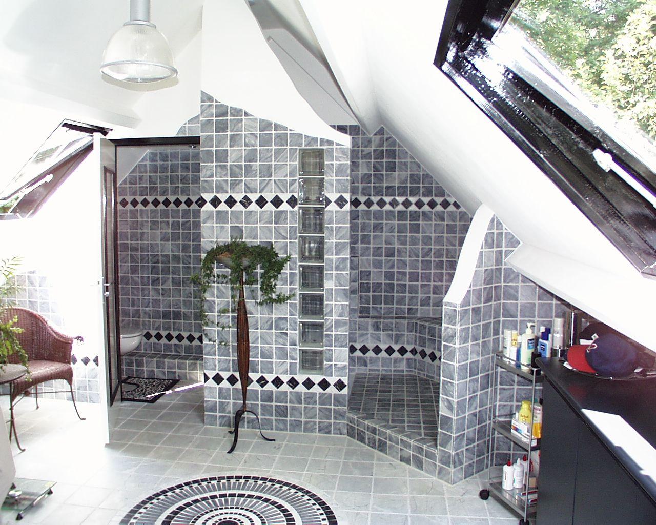 nauursteen badkamer onder schuin dak badkamer ideeà n pinterest