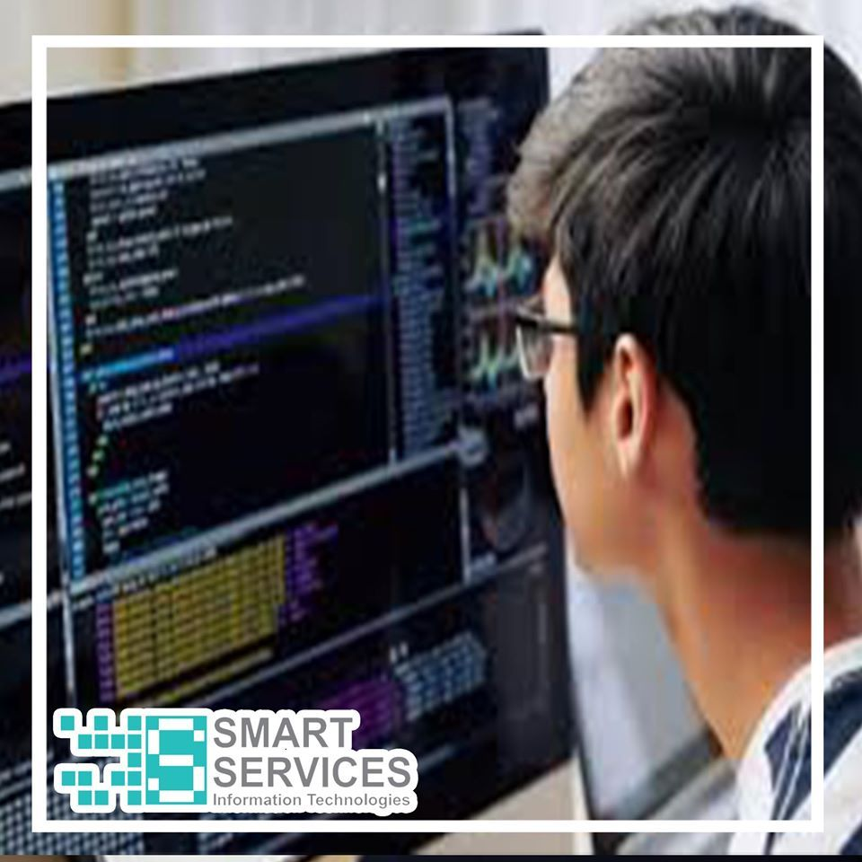 أنواع لصيانة البرمجيات الصيانة التكي فية وتأتي نتيجة تغي رات داخلي ة لن ظم المؤس سة البرمجي ة الصيانة التصحيحي Information Technology Technology Smart