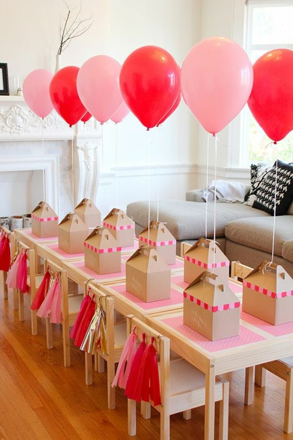 rosa und rote ballons tischdekoration f r einen kindergeburtstag party deko kinder pinterest. Black Bedroom Furniture Sets. Home Design Ideas