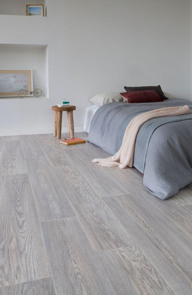 gerflor rev tement de sol en rouleau imitation parquet kitchens flooring hardwood floors. Black Bedroom Furniture Sets. Home Design Ideas