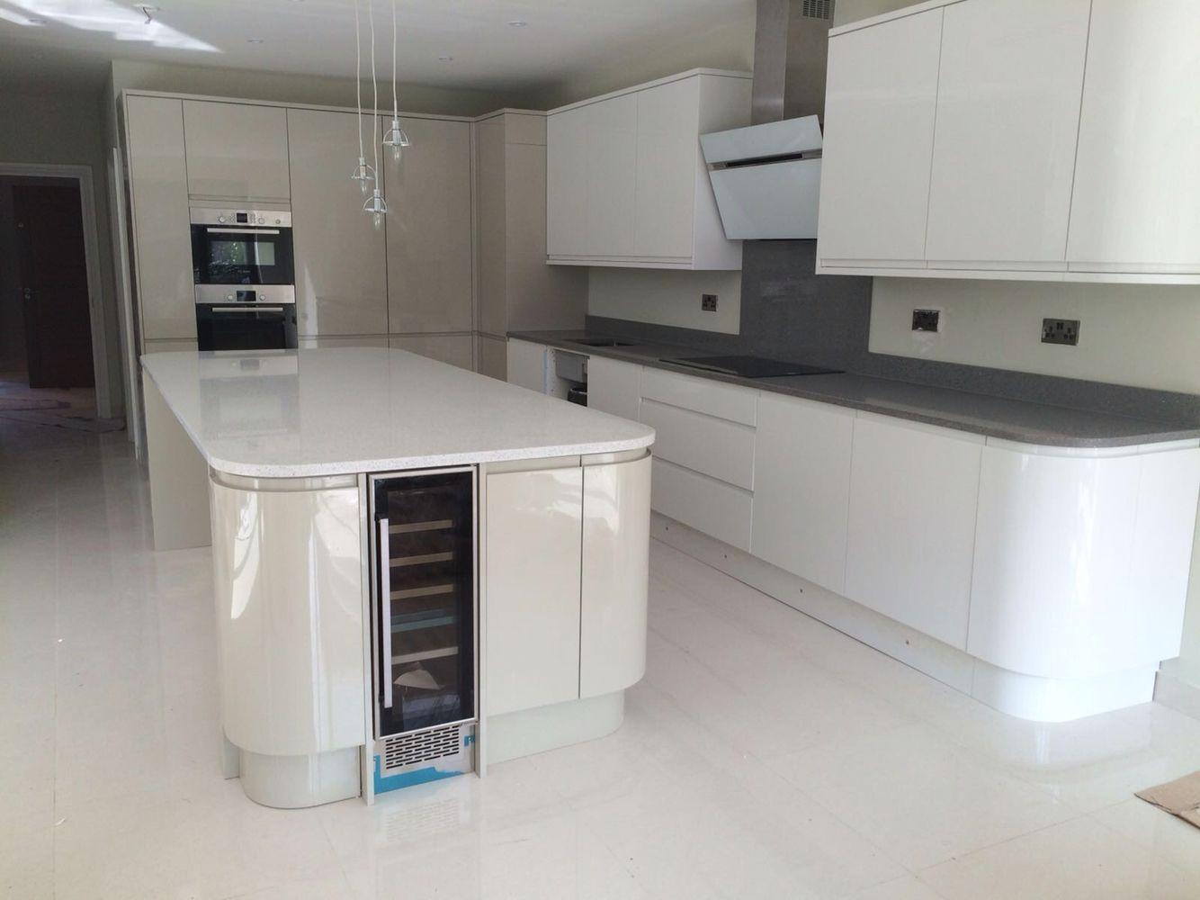 Kitchen Worktops, use of 2 colours of 30mm Quartz Worktops ...