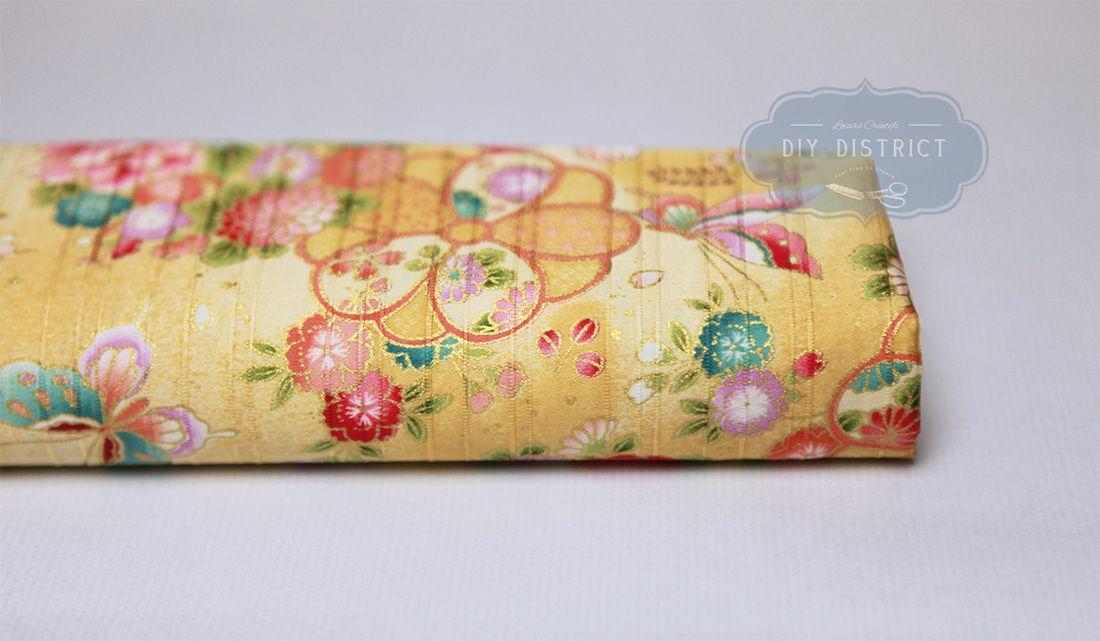 tissu-japonais-papillon-fleuri-fond-jaune