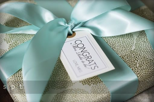 How To Wrap A Wedding Gift: Choose From A Variety Of Bridal Shower Wrapping Paper