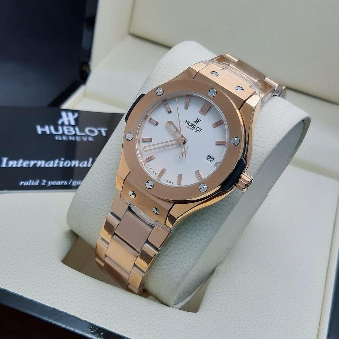 Brand Name Hublot Price 50kd المحتويات العلبه الاصليه الكيس الاصلي دفتر الوكيل يوجد كفالة ساعه Hublot Gold Watch Accessories