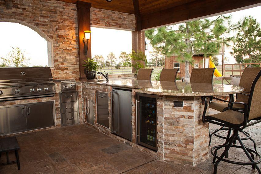 37 Outdoor Kitchen Ideas Designs Picture Gallery Outdoor Kitchen Design Outdoor Kitchen Design Layout Outdoor Kitchen