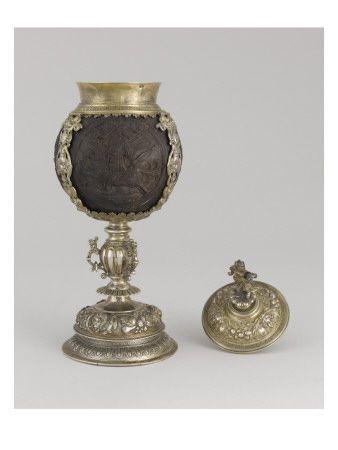 Coupe à couvercle: noix de coco, monture en vermeil - Musée national de la Renaissance (Ecouen)