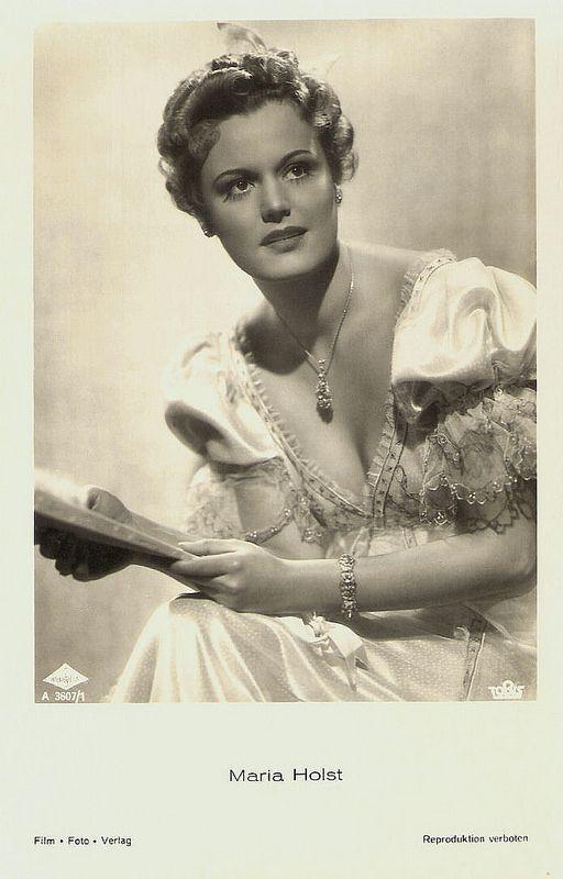 Maria Holst. German postcard by Film-Foto-Verlag, no. A 3607/1, 1941-1944. Photo: Wien Film / Tobis.