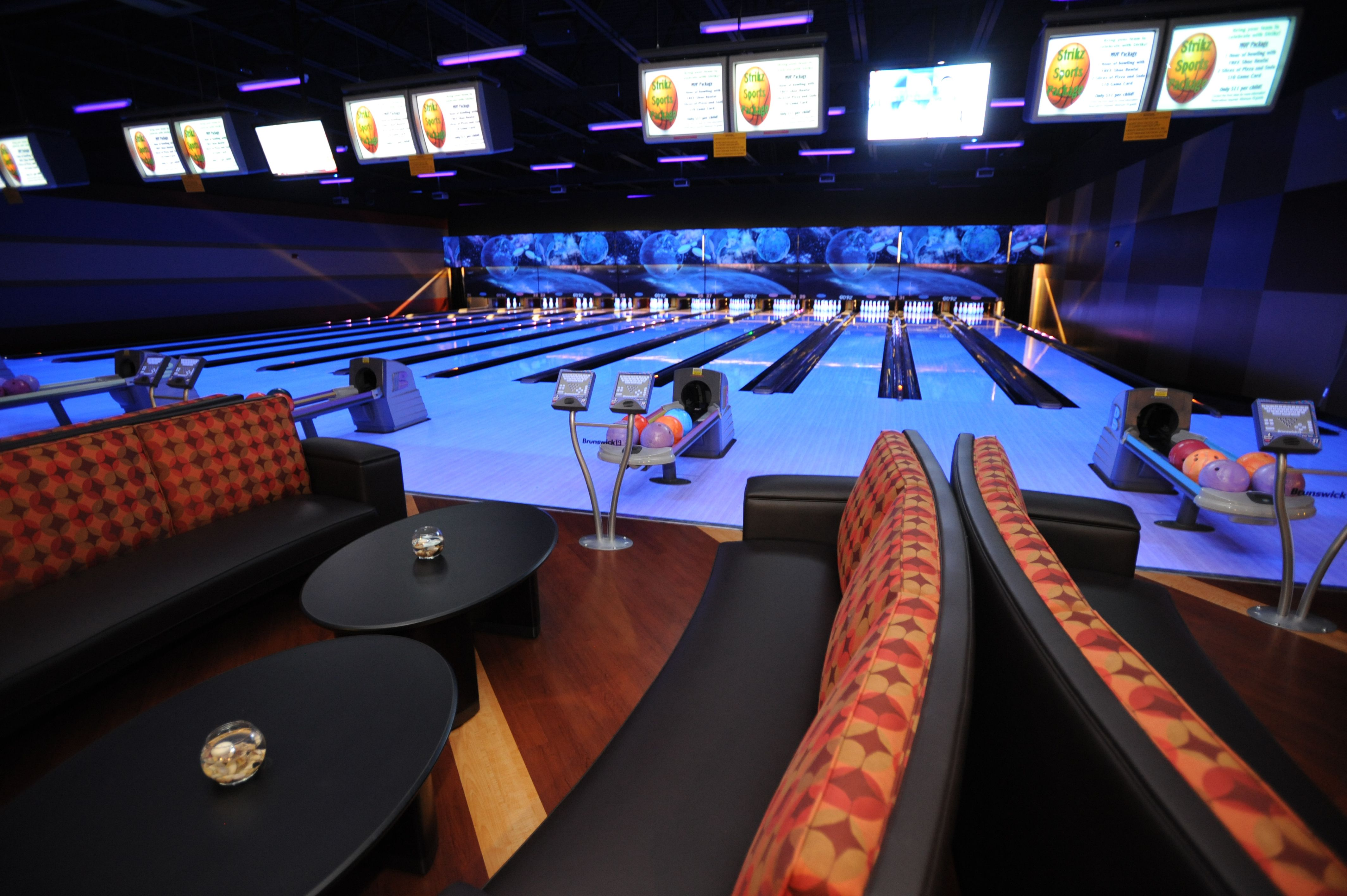 Strikz Is A 43 000 Square Foot Entertainment Center Which Includes Fun Activities For All Ages And Includes 32 Bowling Lanes Frisco Entertainment Frisco Texas