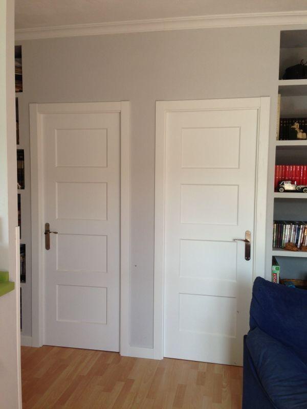 Puerta lacada con cuarterones puertas pinterest for Casas con puertas blancas