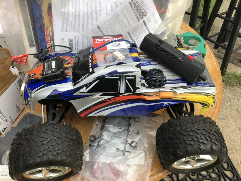 Nitro Motor How to free a stuck Traxxas 2 5 or 3 3 Engine