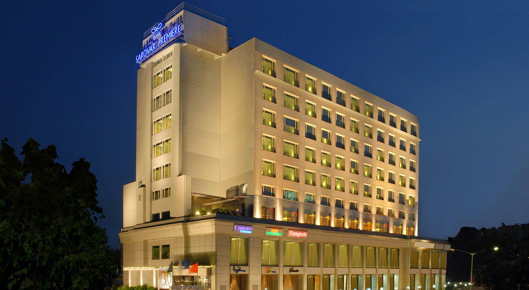Hotel Grand Sarovar Premiere Mumbai Is One Of The Best 4 Star Hotels In Near Airport With Excellent Location