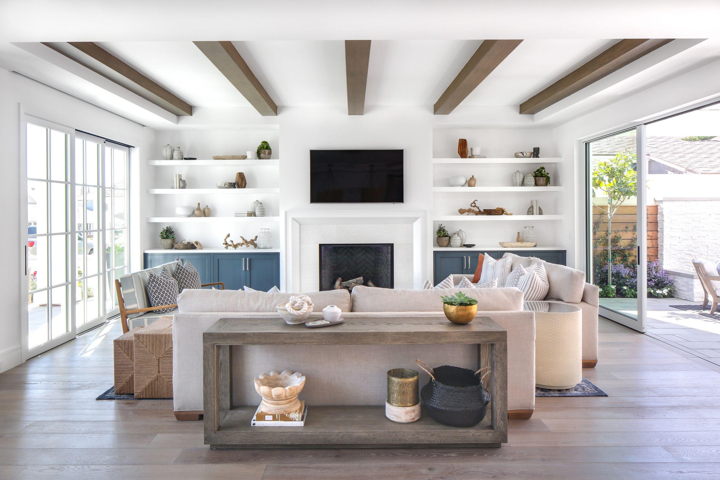 Lindye Galloway Interiors Coastal Modern Open living