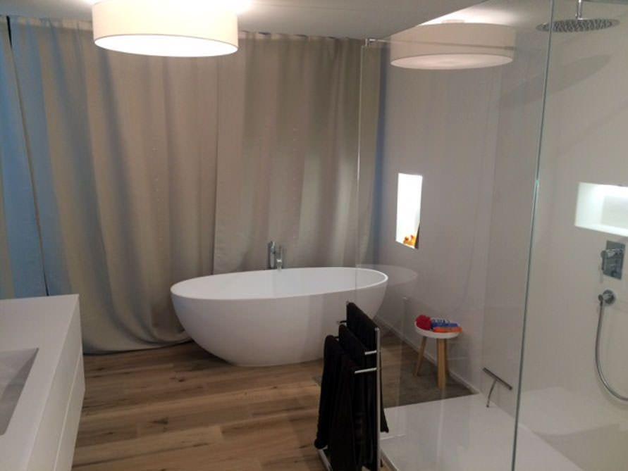 Piemont Medio Piemont, Freistehende badewanne und Badewannen