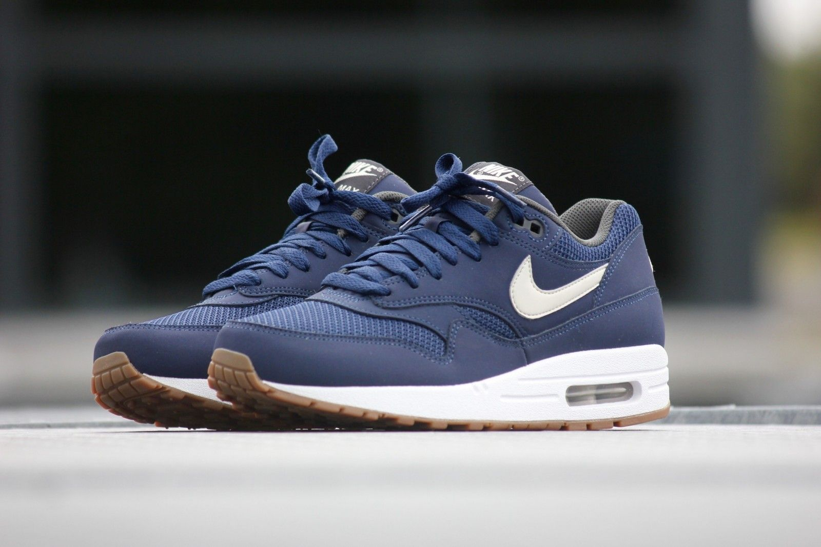 reputable site 42351 55a1f Nike Air Max 1 Essential Midnight Navy-Light Bone - 537383-401