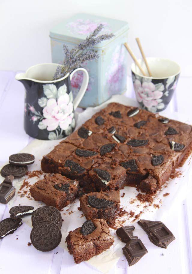 La mejor receta de brownie de Oreo. Receta muy fácil de hacer para que te quede…