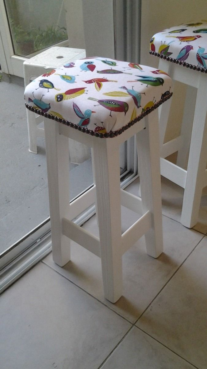 Banqueta taburete tapizado dise o retro de 60cm 320 00 for Banquetas de madera