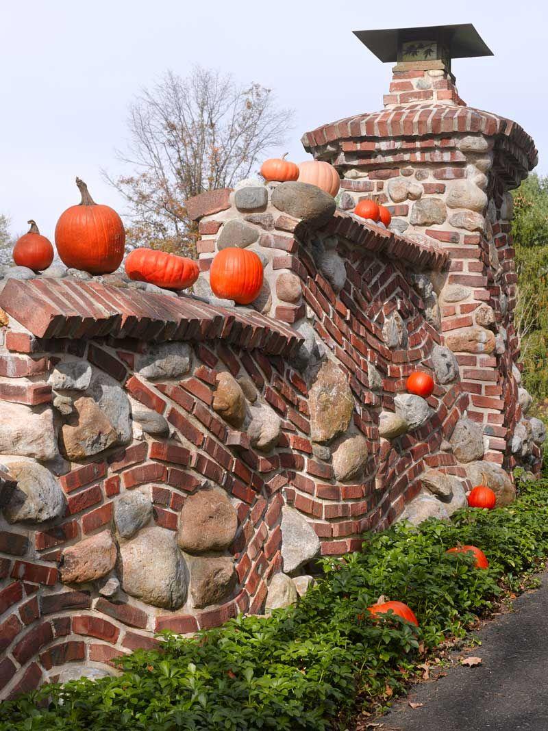 Follow The Clinker Brick Road Gartenmauern Garten Steinmauer Garten