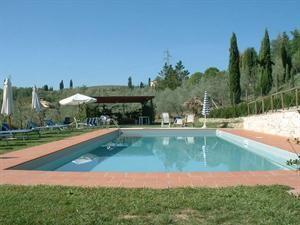 Italie Toscane Cerreto Guidi  Deze agriturismo heeft slechts 9 kamers en produceert zijn eigen wijn en olijfolie.  EUR 244.00  Meer informatie  #vakantie http://vakantienaar.eu - http://facebook.com/vakantienaar.eu - https://start.me/p/VRobeo/vakantie-pagina