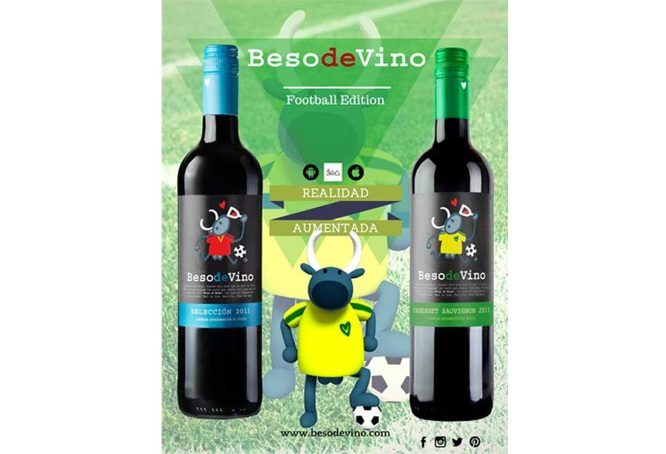 Beso de Vino, una botella de vino con #RealidadAumentada. Diseño de etiqueta por Kukuxumusu.