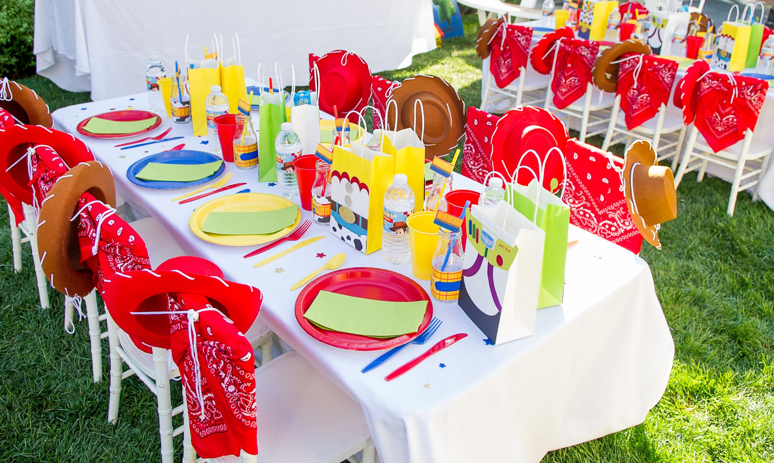 Toy Story Table Settings Baby Bea S Bakeshop Toy Story Birthday Party Toy Story Party Decorations Toy Story Party