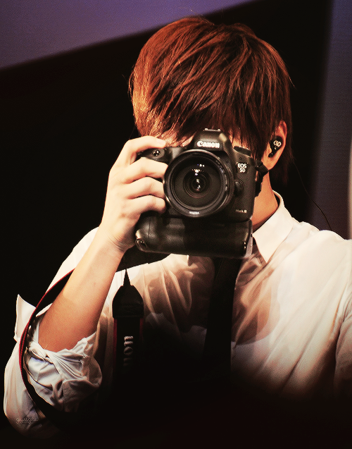 Myung Soo Myungsoo Kim Myung Soo Girls With Cameras