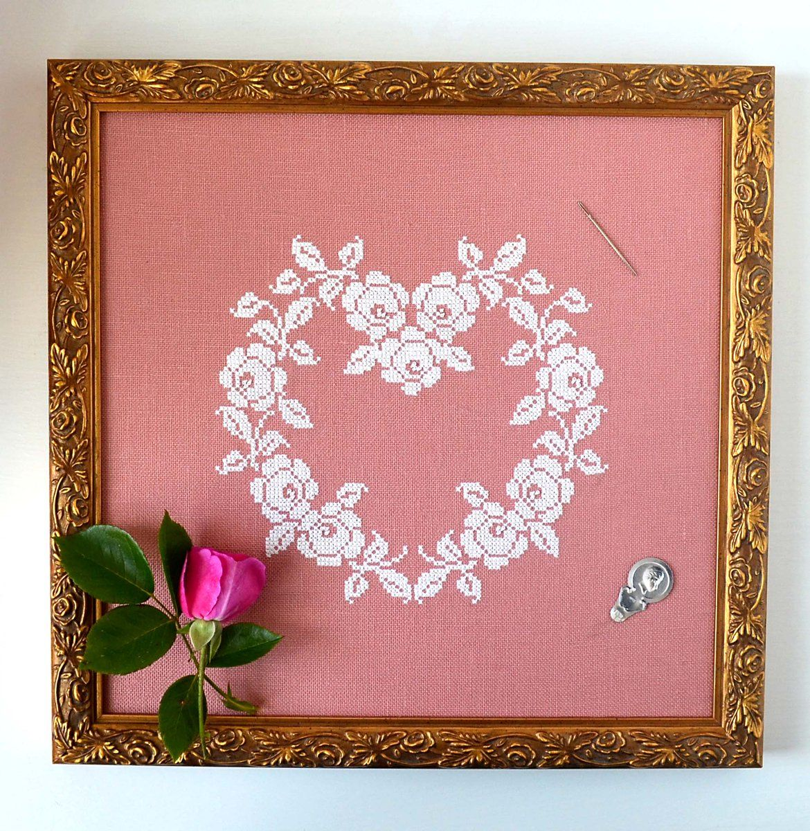 French Rose Heart Cross Stitch Pattern.  Vintage Needlework. Vintage Embroidery. Shabby Chic. Hoop Art.